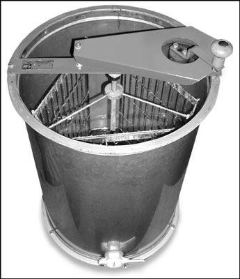 Esta manivela, extractor de aço inoxidável extrai até seis quadros rasas de cada vez.