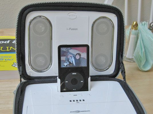 ���� - Como conectar fones de ouvido e alto-falantes portáteis para o iPod