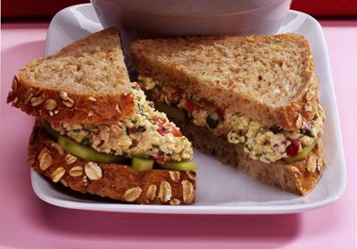 ���� - Como fazer um sanduíche da salada Eggless