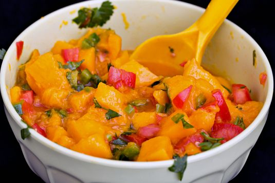 ���� - IBS-Friendly Mango Salsa Receita