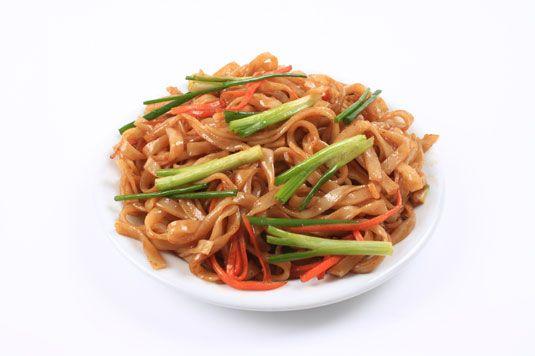 ���� - Noodles amendoim indonésio com vegetais