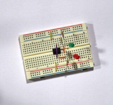 ���� - Protótipo de um eletrônico Coin-lance Passo 2: Ligar LEDs para Resistências