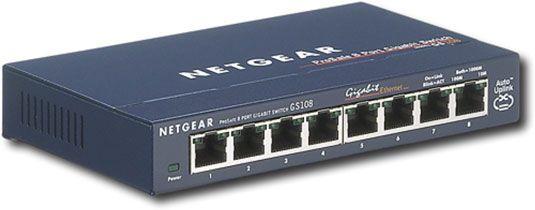 Um switch Ethernet NetGear.